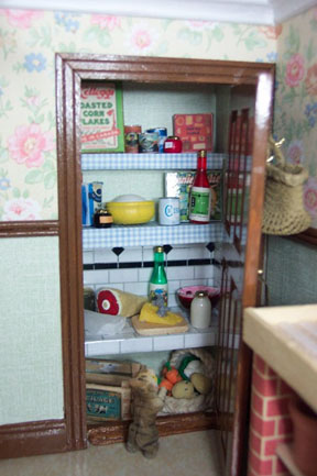 Pantry Using Printables This1930s Dollhouse
